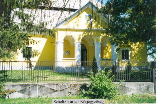 Scholtz kuria 2003